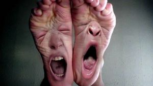 exhausted_feet_tired_funny-hd-wallpaper-182513